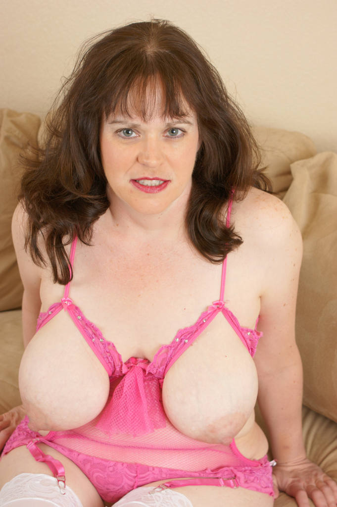 Busty Mature Wife Ginger