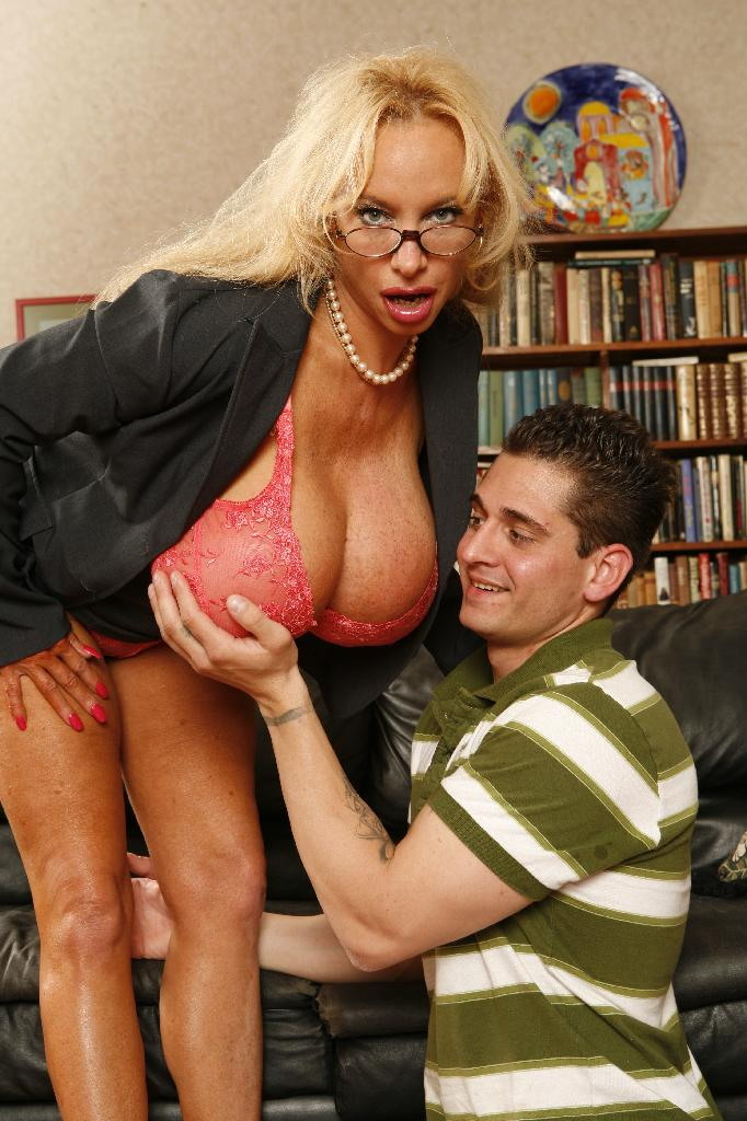 Busty MILF Vanessa Striptease